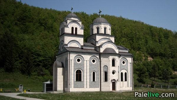 Crkva Vaznesenja Gospodnjeg u Podgrabu