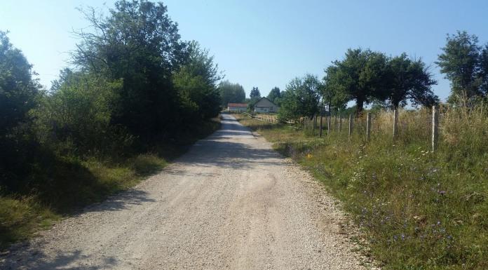 Put prema selu Parževići