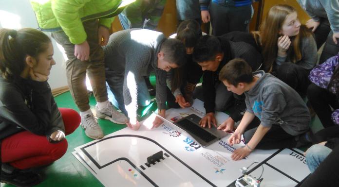 Roboti na poklon Osnovnoj školi