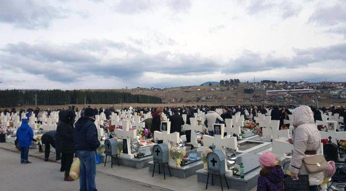 Nekoliko hiljada ljudi na parastosu poginulim srpskim borcima