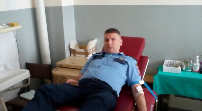 Policajci dobrovoljno dali krv