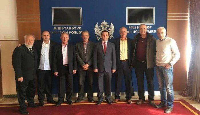 Crnogorci pomažu sanaciju spomen-područja na Tjentištu