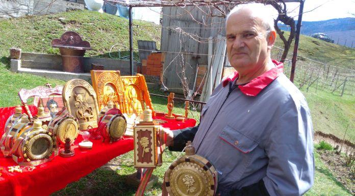 Draganove gusle, ikone i duborezi krase domove širom svijeta