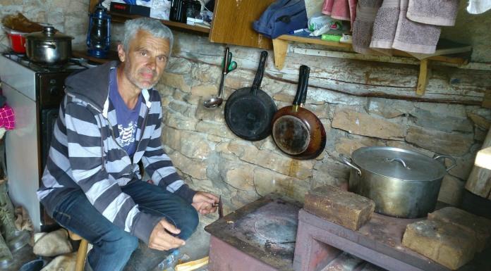 Samotnjak Vito živi sa kozama i sanja kuću na djedovini
