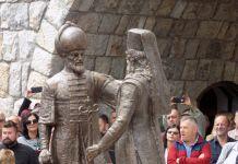 Na ulazu u Andrićgrad otkriven spomenik braći Sokolović