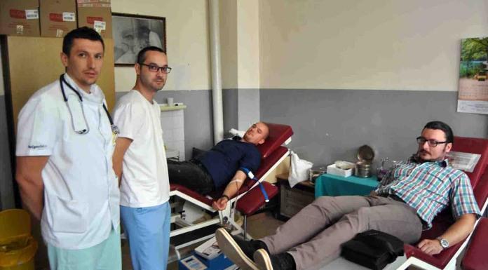 Mladi SNSD-a i Klub odbornika ove stranke darovali krv