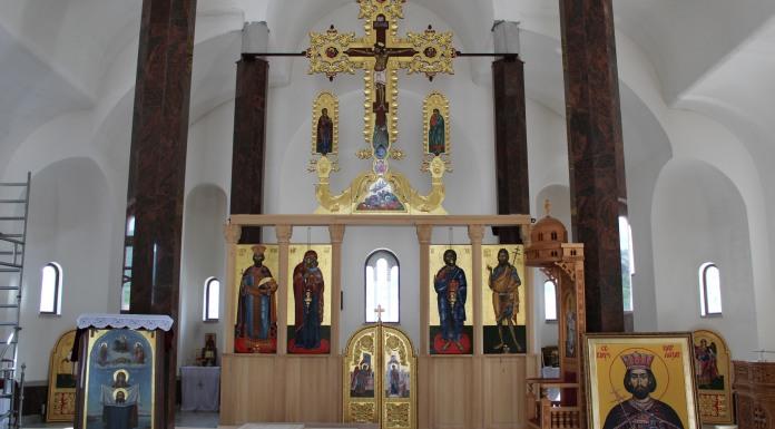 Postavljen novi ikonostas u crkvi u Andrićgradu