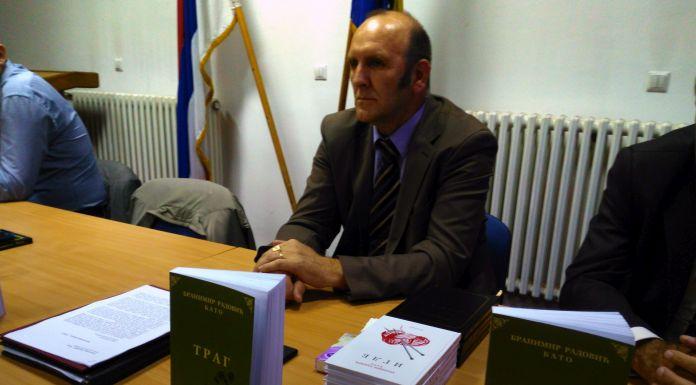 """Promovisan roman """"Trag"""" Branimira Radovića"""
