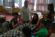 Vjeroučitelj stvara šahovske šampione - omiljen među đacima