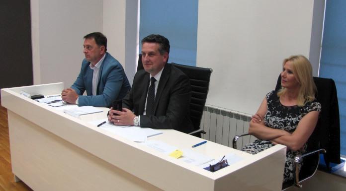 Vuković: Podrška zahtjevu za ocjenu ustavnosti odluke o taksama
