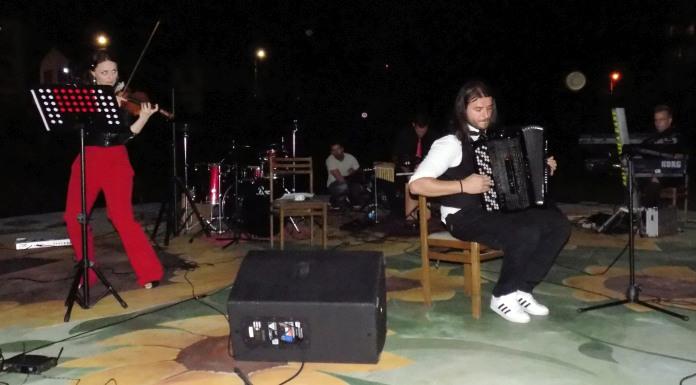 "Nastupili Dušan Sekulić i bend ""Akordeon fantazi"""