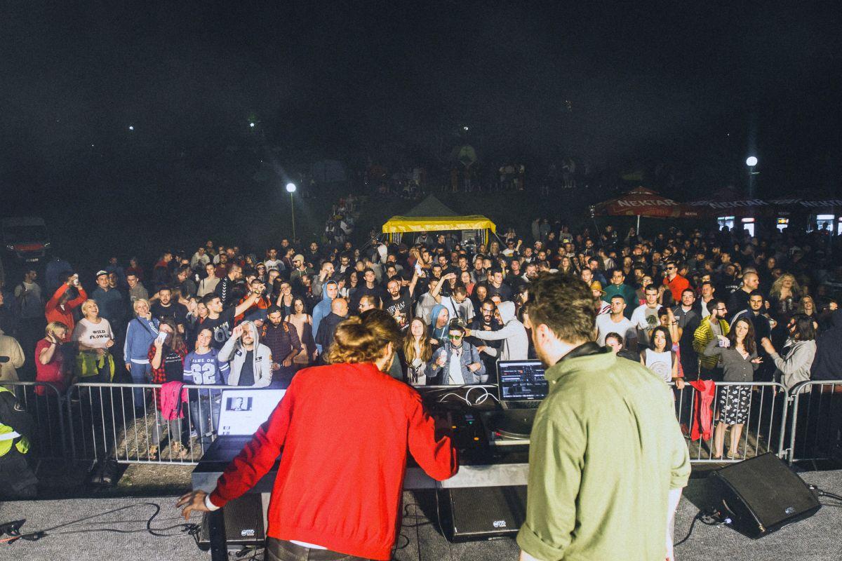 """Mladi iz cijelog svijeta uživali uz """"Hladno pivo"""", Kirila i Stereo em-si"""