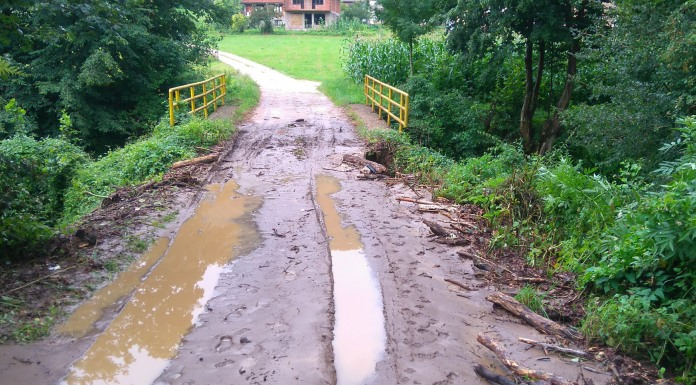 Oštećeni lokalni putevi